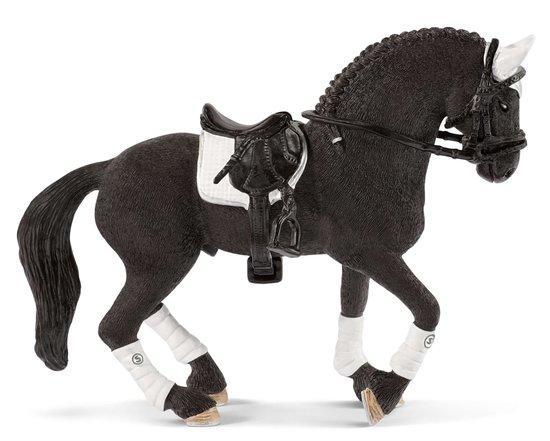 SCHLEICH Turnajový hřebec Fríského koně