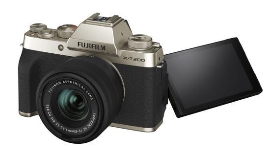 FUJIFILM X-T200 + XC15-45mm Gold