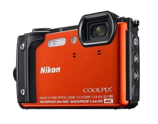 NIKON COOLPIX W300 Orange + 2 in 1 plovoucí popruh