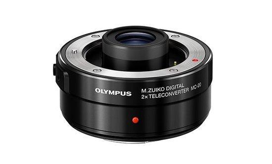 Telekonvertor Olympus MC-20 pro objektivy 40-150mm PRO a 300mm PRO (2x)